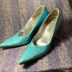 Gorgeous Steve Madden Croc Silver Tip Heels 7B
